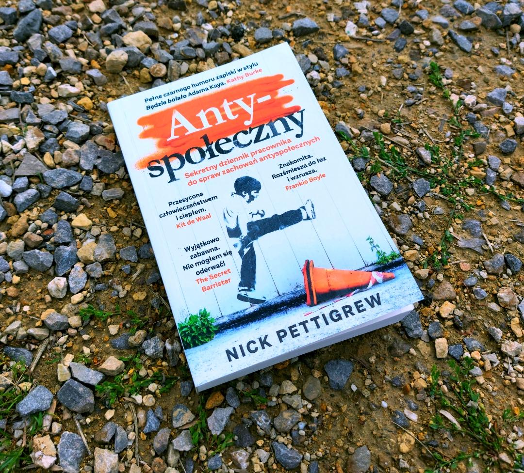 Nick Pettigrew - Antyspołeczny